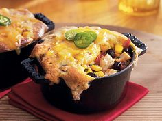 Looking for a Southwestern twist on chicken pot pie? These easy, cheesy pot pies are super easy thanks to Betty Crocker cornbread muffin mix, Old El Paso enchilada sauce and canned black beans. Need a shortcut? Try using rotisserie chicken from the deli or supermarket.