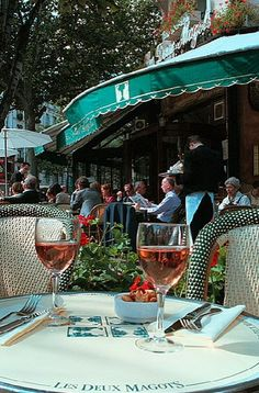 Place Saint-Germain-des-Prés -Paris. ASPEN CREEK TRAVEL - karen@aspencreektravel.com