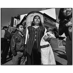 Mary Ellen Mark - Gallery - New York Street - 225Z-074-004 Times Square 97 Manhattan, New York 1997