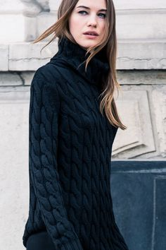 Perfect chunky knit turtleneck to wear with leggings.