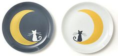 Pair Plate 'Luna & Artemis': 7,800 yen. Made of porcelain.