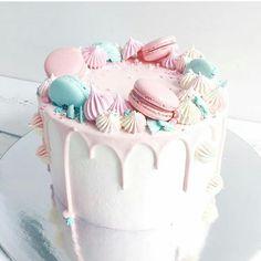 had your food Bolo Macaron, Macaroon Cake, Crazy Cakes, Fancy Cakes, Pretty Cakes, Cute Cakes, Bolo Paris, Drop Cake, Pastel Cakes