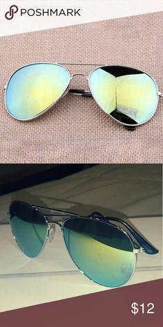 560aa613e9c Mirrored Aviator Sunglasses. Mirrored AviatorsSilver  FramesMirrorsLensesPouchSunglassesStylishSilver ...