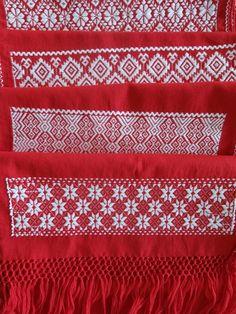 Hilos en nogada, artesania fina, cojin, cushion, embroidery, hand made, bordado a mano, embroidered, textile, mexican decor, mexican folk, folk art, chic, linen, lino, tradition, tradición, Puebla, Mexico, heart, christmas spirit, christmas decoration, bufanda, scarf