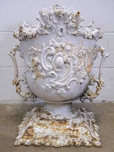Relics, Sculpture, Motifs for the Home: Columbus Architectural Salvage - Ornate Cast Iron Garden Urn. Interior Design Inspiration, Home Decor Inspiration, Vases, Urn Planters, Garden Urns, French Decor, Architectural Salvage, Rustic Interiors, Decorative Objects