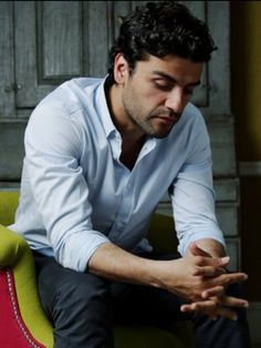 """Oscar Isaac / Photo by Chris McAndrew. I just saw """"In Secret"""", and he managed to be both sexy and tortured. Oscar Isaac, Pretty Men, Gorgeous Men, Beautiful, Model Tips, Finn Star Wars, Attractive Men, Good Looking Men, Daddy Issues"""