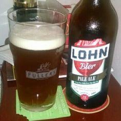 Cerveja Pale Ale, estilo Extra Special Bitter/English Pale Ale, produzida por Lohn Bier, Brasil. 4.8% ABV de álcool.