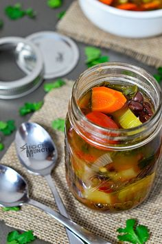 Detox slow cooker vegetable soup – store in mason jars for a portable lunch