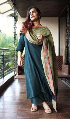 Salwar Designs, Kurta Designs Women, Blouse Designs, Indian Designer Outfits, Indian Outfits, Simple Dresses, Stylish Dresses, Casual Dresses, Casual Indian Fashion