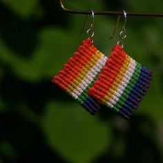 Items similar to Wiphala Inspired Square Macrame Earrings on Etsy Macrame Earrings, Macrame Jewelry, Diy Earrings, Crochet Earrings, Diy Jewelry Rings, Jewelry Crafts, Diy Friendship Bracelets Patterns, Square Earrings, Macrame Knots