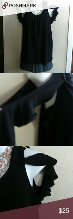 Michael Kors top Very cute top... 94% polyester 6% elastic grate condition Michael Kors Tops Blouses