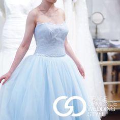 https://www.facebook.com/WeddingStyle/photos/a.204105517475.133090.118507562475/10152875899227476/?type=1