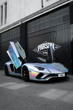 Lamborghini Aventador S Holographisches Chrom von Parson Garage Au . - Lamborghini Aventador S Holographisches Chrom von Parson Garage Autos - Luxury Sports Cars, Top Luxury Cars, Classic Sports Cars, Sport Cars, Classic Cars, Carros Audi, Carros Lamborghini, Lamborghini Aventador Roadster, Sports Cars Lamborghini