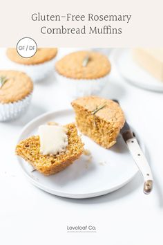 GLUTEN-FREE CORNBREAD MUFFINS | Gluten-free rosemary cornbread muffins! A healthy, delicious take on traditional cornbread. Easy, one-bowl, and dairy-free. | LOVELEAF CO. #glutenfreecornbread #cornbreadmuffins #loveleafco