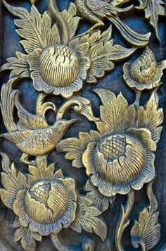 ♅ Detailed Doors to Drool Over ♅ art photographs of door knockers, hardware & portals - church door detail Knobs And Knockers, Door Knobs, Door Detail, Unique Doors, Door Accessories, Gold Paint, Architectural Elements, Windows And Doors, Architecture Details