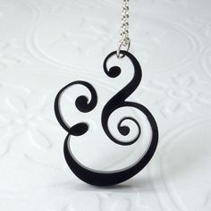 ampersand necklace. YES please!