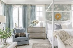 At Home with Rachel Parcell - The Glam Pad Master Bedroom Design, Home Bedroom, Master Suite, Beautiful Bedrooms, Beautiful Homes, Nice Bedrooms, Interior Exterior, Interior Design, Alice Lane Home