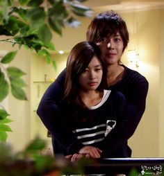 Playful Kiss <3 Kim Hyun Joong as Baek Seung Jo. Jung So Min as Oh Ha Ni