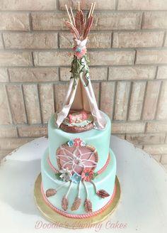 Baby Shower: Boho baby shower cake - Baby World Dream Catcher Cake, Dream Catchers, Boho Cake, Tribal Baby Shower, Bohemian Baby, Baby Party, Sleepover Party, Girl Shower, Shower Baby