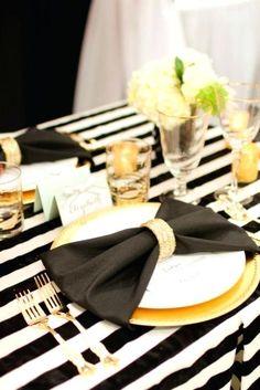 Wedding Show, Gold Wedding, Wedding Ideas, Wedding Black, Gatsby Wedding, Wedding Decor, Wedding Flowers, Paper Dinner Napkins, Gold Napkins