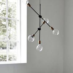 Dat is nog eens een mooie hanglamp! Dit Scandinavische model van House doctor is een plaatje. Molecular straalt in elke ruimte. De lamp is gemaakt van ijzer met