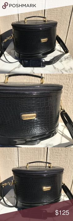 BALMAIN VINTAGE STRUCTURED PURSE BAG CROSSBODY Amazing BALMAIN bag , in vintage condition all black ... strap is removable 100% authentic Balmain Bags