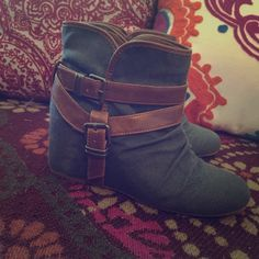 ALDO grey and brown booties These booties look perfect with a pair of skinny jeans or leggings. Can easily slip on for an easy on the go look. Fairly worn but still in great condition. ALDO Shoes Ankle Boots & Booties