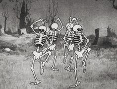 gif love skulls haha cute Black and White disney Cool horror dancing Halloween crazy dance skull skeletons skeleton spooky pastel goth back and white caveiras Halloween Tags, Vintage Halloween, Happy Halloween, Halloween Tumblr, Scary Halloween, Halloween Background Tumblr, Halloween Trivia, Spooky Background, Halloween Dance