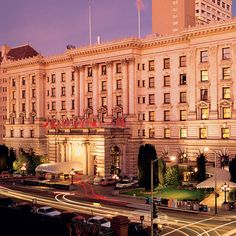 The Fair sisters, original founders of the Fairmont Hotel, are said to still inhabit the place. They were killed in the San Francisco Earthquake of Fairmont Hotel San Francisco, San Francisco City, San Francisco California, Vegas, Honeymoon Places, San Fransisco, Grand Hotel, Hotels And Resorts, Hotels