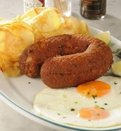 Alheira de Mirandela, Porto & North of Portugal Region. Sausage with bird meat, made up by the ingenious Jewish people at the time : ) Portuguese Sausage, Portuguese Food, Portuguese Recipes, Gourmet Recipes, Appetizer Recipes, Cooking Recipes, Other Recipes, Great Recipes, Portugal