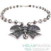 Hopeinen rusetti - Helmipaikka Oy - Joka päivä on korupäivä - Helmipaikka.fi koruja netistä - Tea Design kaulakorut necklaces