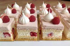 VÍKENDOVÉ PEČENÍ: Malinové řezy Cake Recept, Czech Recipes, Mini Cakes, Baked Goods, Raspberry, Cheesecake, Food And Drink, Low Carb, Pudding