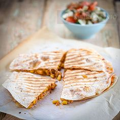 Gozleme – turecki chlebek   Przepisy kulinarne ze zdjęciami Quesadilla, My Recipes, Cooking Recipes, Recipe Box, Camembert Cheese, Bread, Cake, Ethnic Recipes, Food