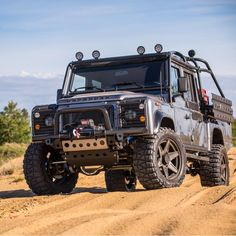 """2,296 Likes, 10 Comments - LAND ROVER (@land_rover_defender) on Instagram: """"Awesome landy from @eastcoastdefender #landrover #landroverdefender #defender #defender90…"""""""