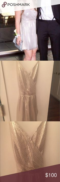 Gold Alice and Olivia Dress (size 2) Alice and Olivia Dress in Gold Worn Only Once! Size 2. Perfect condition. Pair with your favorite heels and your go-to clutch for a perfect going out look!! Alice + Olivia Dresses Mini