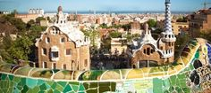 Here are several fun things to do in Barcelona on vacation. You can see the amazing Barcelona Gaudi Architecture, Gaudi's La Sagrada Familia, Guell Park and the giant Gothic Barcelona Cathedral. Barcelona Travel Guide, Shopping In Barcelona, Visit Barcelona, Barcelona Hotels, Gaudi, Perez Garcia, Inexpensive Vacations, Places To Travel, Places To Visit