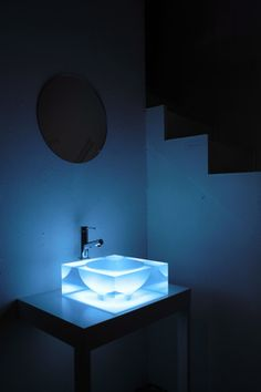 acrylic basin, made from casted acrylic. designed by  Ichello Harada (yes, it is me! ).
