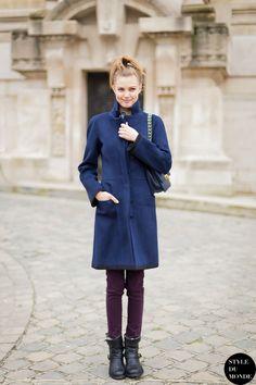 Burgundy Pants, Purple Jeans, Street Style, Street Chic, Lindsey Wixson, Navy Coat, Model Look, Models Off Duty, Ootd