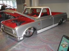 LOVE the matching colors under hood, interior and in bed! Wanna do it to my car!