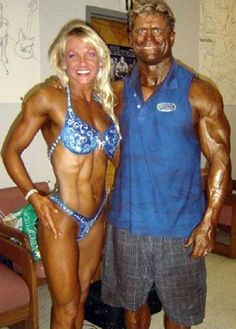Couples Who are Truly Together - bemethis funny photos humour funny pictures funny pics funny jokes funny animals funny people Tan People, Crazy People, Funny People, Strange People, Ugly Couples, Beaux Couples, Que Horror, Awkward Family Photos, Bodybuilding