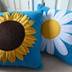 Prodigious Useful Ideas: Decorative Pillows With Buttons Projects rustic decorative pillows cushions.Decorative Pillows On Bed Bedspreads decorative pillows with words wall colors.Decorative Pillows On Sofa Euro Shams. Cute Cushions, Cute Pillows, Red Pillows, Throw Pillows, Floor Cushions, Pillow Crafts, Felt Pillow, Cushion Cover Designs, Flower Pillow