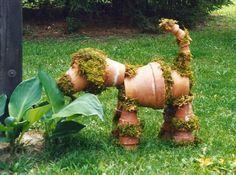 hund lavet af genbrugs rødlerspotter