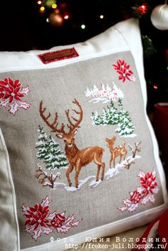 Barefoot in the Park . Xmas Cross Stitch, Cross Stitch Pillow, Cross Stitching, Cross Stitch Embroidery, Hand Embroidery, Cross Stitch Patterns, Embroidery Designs, Christmas Makes, Christmas Cross