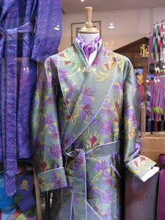 New and Lingwood = don't want to get dressed. Men's Robes, Dandy Style, Smoking Jacket, Male Style, Cravat, Neckerchiefs, Cabaret, Dressing Room, Get Dressed