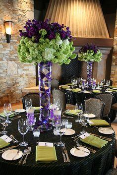 tall centerpiece, elegant dinner, color blocking, purple sweetpeas, green viburnum
