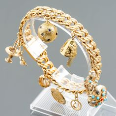 Amulettirannekoru, kultaa. Bracelet Watch, Watches, Bracelets, Gold, Accessories, Jewelry, Jewlery, Wristwatches, Jewerly
