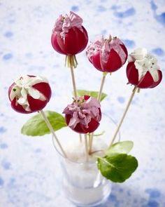 Radieschen-Blüten mit Frischkäse