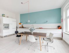 Interior:Interesting Kitchen Design With White Kitchen Island And Pendant Lamp With Wooden Dining Table And Glass Windows Stunning Home Inte. Apartment Kitchen, Apartment Interior, Kitchen Interior, Berlin Apartment, Office Inspiration, Interior Design Inspiration, Design Interior, Cuisines Design, Scandinavian Home