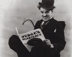 Charlie Chaplin reading the book 'Wake the Wicked: Thirteen Twisted Tales' by Christian Baloga. Old Hollywood Stars, Classic Hollywood, Black Bolt, Star Reading, Charlie Chaplin, Book Lovers, Movie Stars, The Twenties, Actors & Actresses