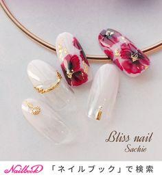 ハンド/ジェル - Bliss☆Sachiのネイルデザイン[No.3696242]|ネイルブック Red Nail Art, Flower Nail Designs, Design Art, Pearl Earrings, Nails, Beauty, Beautiful, Jewelry, Pretty
